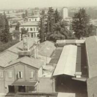 Lo stabilimento vignolese della Cirio sorgeva tra via Cesare Battisti e viale Trento e Trieste. L'edificio è poi stato abbattuto per costruire un complesso di uffici e spazi commerciali