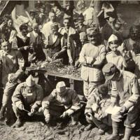 Fra i soldati al fronte. La preparazione del rancio, in «L'Illustrazione italiana», 4 luglio 1915, n. 27, p. 10, Istituto per la storia e le memorie del '900 Parri E-R.