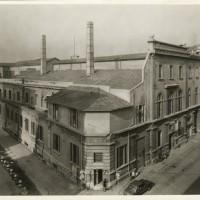 """La sede dell'Ente autonomo dei consumi, negli anni trenta confluito entro la Cooperativa di consumo """"La Bolognese""""."""