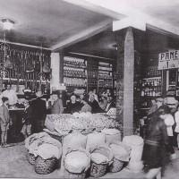 Esempio di punto vendita di una cooperativa di consumo tra le due guerre.