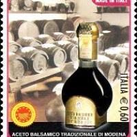 Francobollo dedicato all'Aceto Balsamico Tradizionale di Modena, emesso e presentato al pubblico il 17 aprile 2012 presso il Museo dell'Aceto Balsamico Tradizionale di Spilamberto. Foto Archivio Gruppo Mezaluna – Mario Menabue