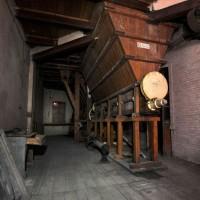 Tramoggia situata al primo piano, Massimo Brunelli - Associazione Amici delle Vie d'Acqua e dei Sotterranei di Bologna / Bologna sotterranea®.