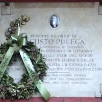 Lapide commemorativa dell'uccisione di Augusto Pulega, all'epoca presidente della Cooperativa di consumo Malcantone, al quartiere Barca.