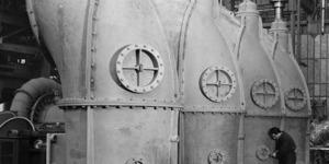 Le pompe aspiranti all'interno dell'impianto delle Mondine. L'impianto, tutt'ora esistente, aveva dimensioni imponenti e si estendeva per un alunghezza di 75 m. e un'altezza di 27