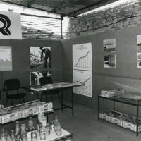 Stand espositivo della Cooperativa Ortofrutticoltori Ravennati (COR) [1976-77]. Cooperativa frutticoltori Massa Lombarda