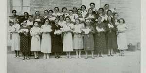 Contributo autarchico della zootecnia bolognese. Distribuzione di galli miglioratori alle massaie rurali, Budrio, in «Il Comune di Bologna, rivista mensile», agosto-settembre-ottobre 1939.